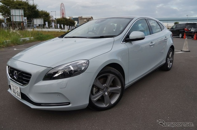 [ITS World Conference 13: advanced driving support car seat compared with... Volvo V40 [video]
