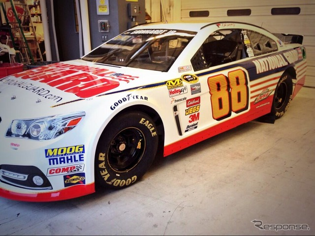 New paint the car Dale Earnhardt Jr