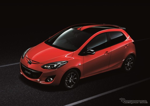 Mazda Demio 13-SkyActiv Shooting Star Sport Dynamic Roof