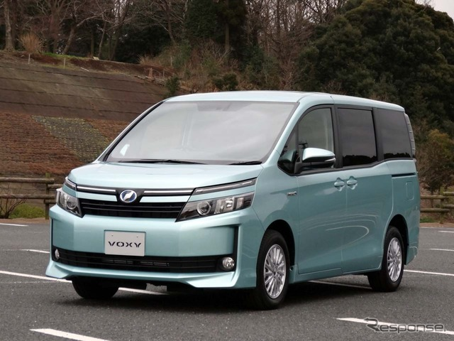 Toyota Noah and Voxy new release: in equipments and quiet But attractive petrol cars at very good value