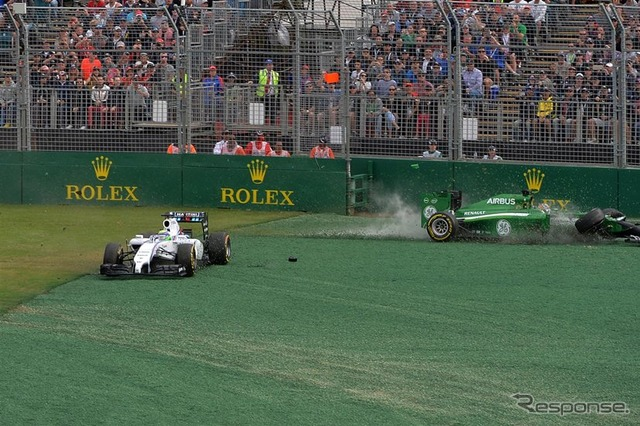 Kamui Kobayashi collided with Williams Felipe Massa at the first corner