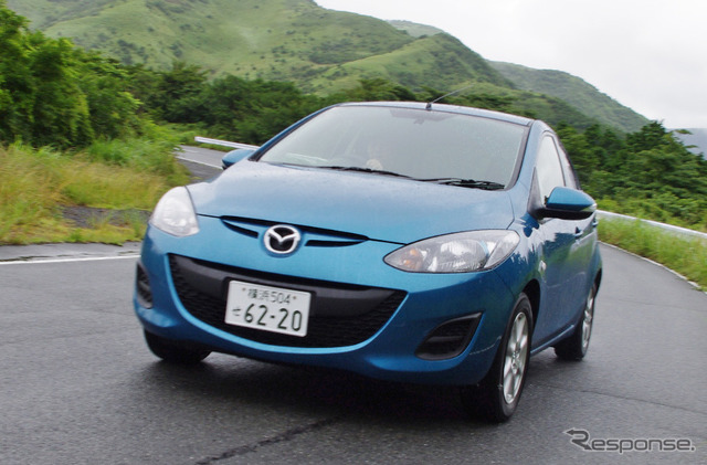 Mazda Demio Skyactiv takes first place in gasoline category with 17.5km per liter (reference image)