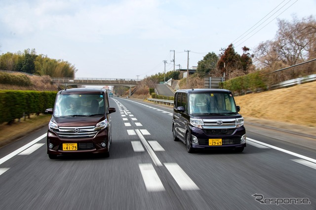 "Daihatsu tanto custom RS "" SA "" (right) and Nissan DAYZ ルークスハイウェイ star Turbo"