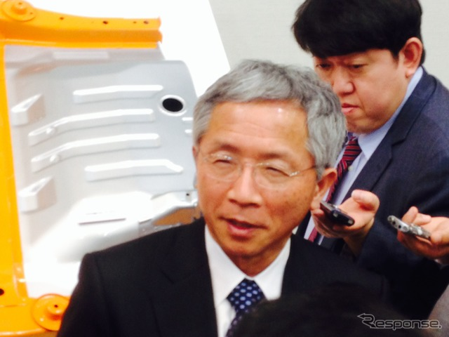 Suzuki Executive Vice President Osamu Honda at 4-wheel technology presentation