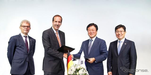 The leaders of the BMW Group signed a memorandum of understanding in Seoul Korea and Samsung SDI
