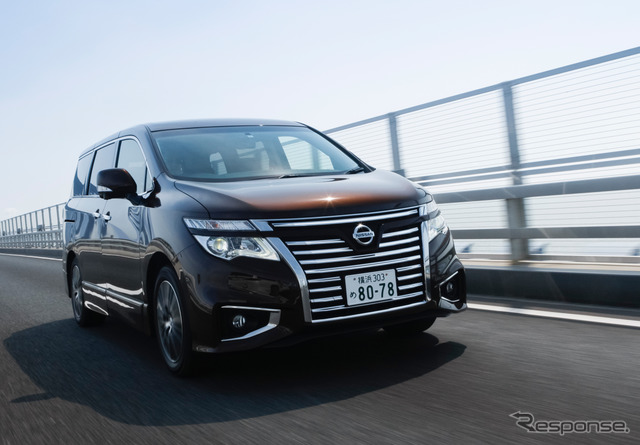 Smart room mirror fitted car test drive Nissan Elgrand 250 ハイウェイスタープレミアム