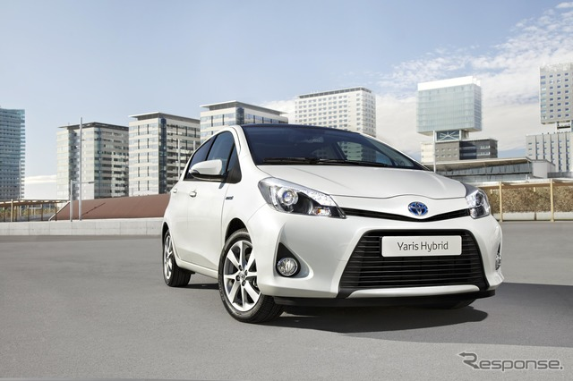 Toyota Yaris (Japanese name: Vitz) Hybrid model