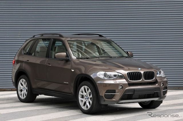 BMW X5 xDrive35i (reference image)