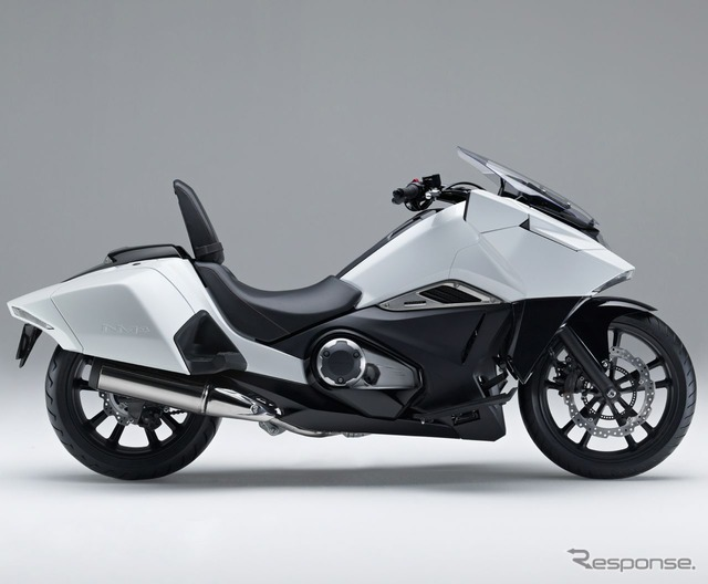 Honda NM4-02's photos