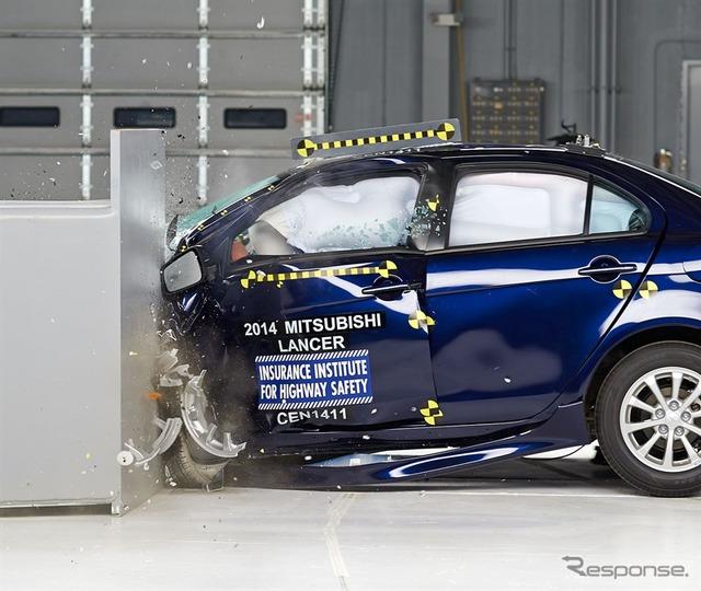 Mitsubishi Lancer GALANT Fortis IIHS crash test