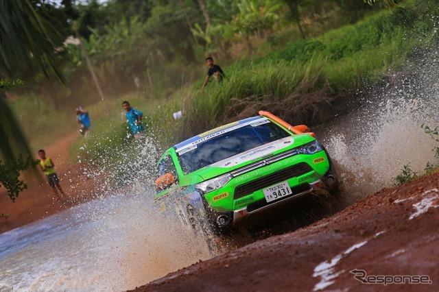 Mitsubishi-Outlander PHEV ( Asia cross country rally 2014 )