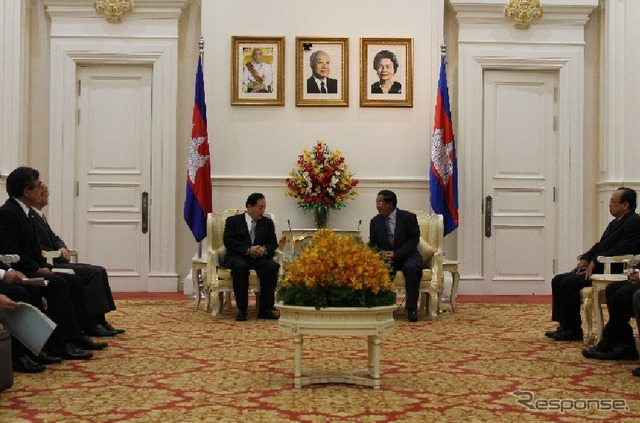 A meeting with OTA Ministry, Cambodia's Premier Hun Sen