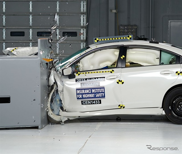 The new Legacy's US IIHS small overlap crash test