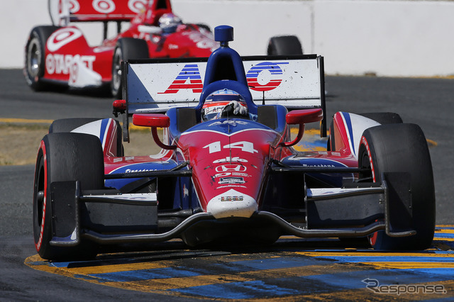 Takuma Sato into fourth place this season's best in finals Photo: Honda