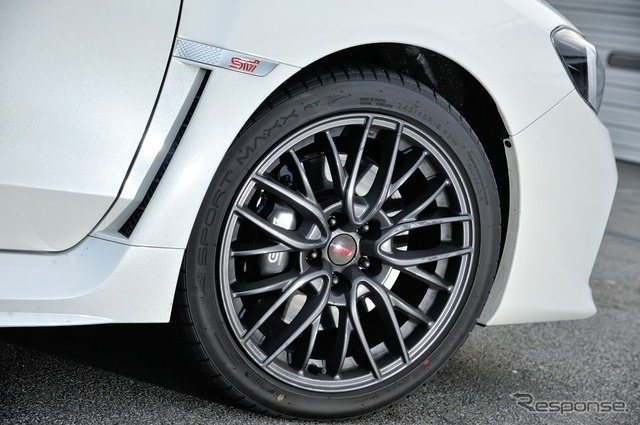 Dunlop SPORT MAXX RT tires on the Subaru WRX STI