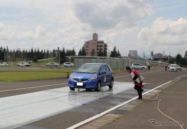 Super シニアドライバーズスクール Miyagi held JAF Miyagi branch