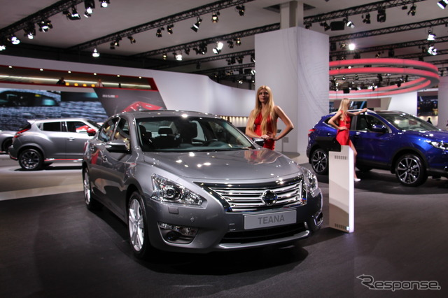 Nissan booth (Moscow Motor Show 14)