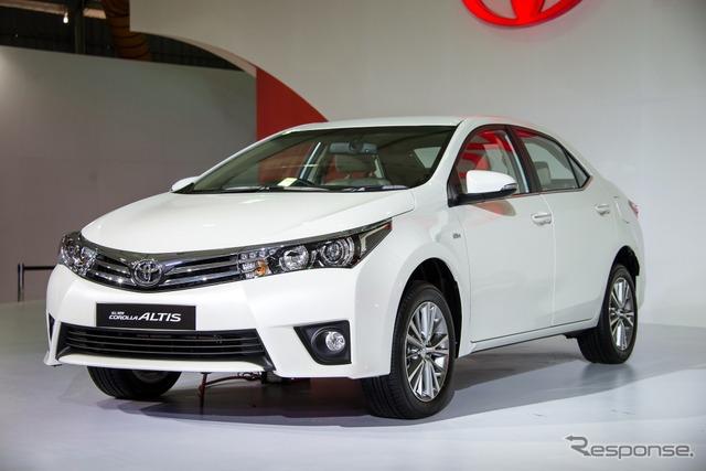 Toyota Corolla Altis (Delhi Motor Show 14)