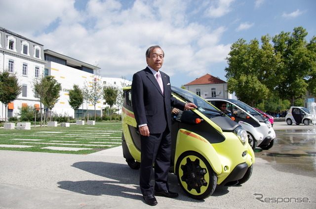 Chairman Uchiyamada, who responds to the shooting in the joint conference held in Grenoble city