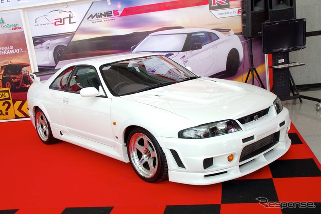 Met at the Jakarta motor show of nostalgia NISMO 400R
