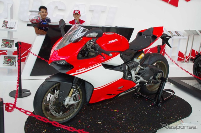 Leggera ซุปเปอร์ Panigale Ducati 1199 (จาการ์ตามอเตอร์แสดง 14)