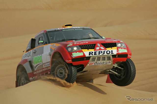 [Paris-Dakar 06] photo collection... Mitsubishi Pajero evolution MPR12 type