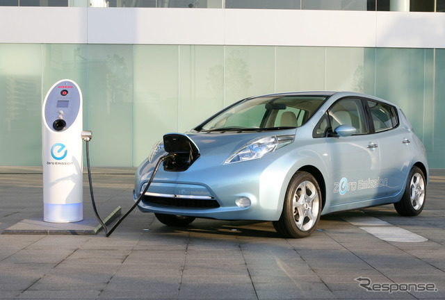 Nissan Leaf during charging
