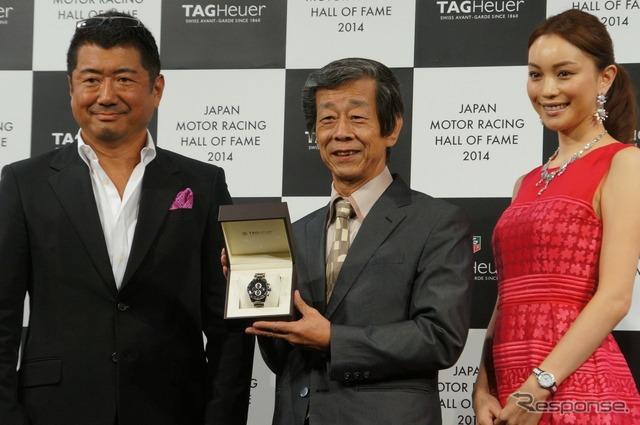Photo, from left, kiyoyuki Okuyama, designer, Mr. Kazutoshi Mizuno, Ebihara Yuri,