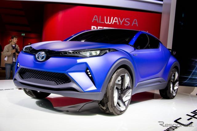 Concepto de Toyota C-HR (14 en el salón del automóvil de París)