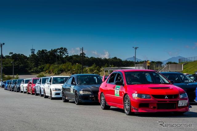 Fuji Speedway van Maik driving lessons ( Lancer evolution and Subaru WRX )