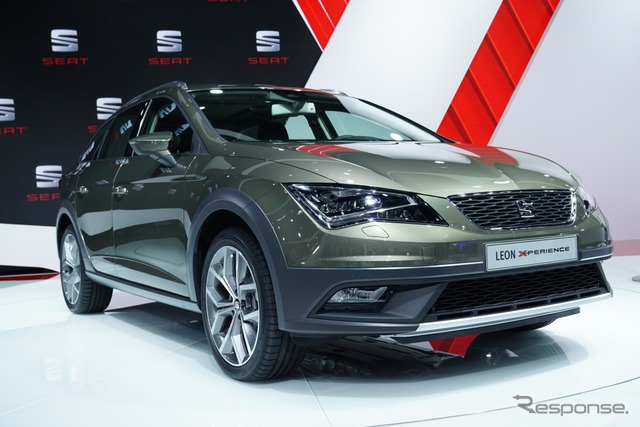 Seat Leon x-pellens (14 at the Paris Motor Show)