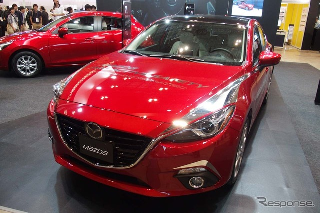 Placed in booths of Mazda MAZDA3 automatic driving system test car