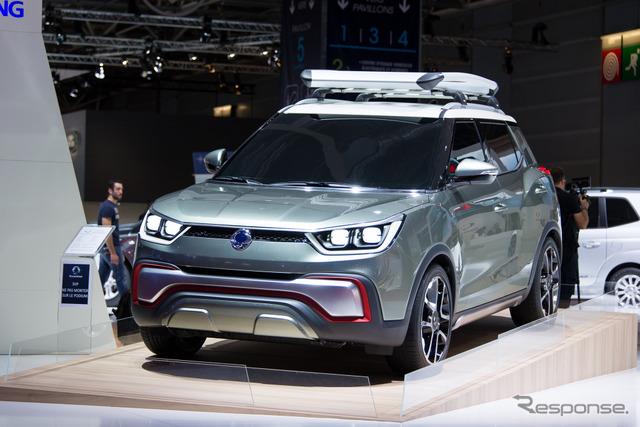 Ssangyong motor company XIV-Adventure (14 at the Paris Motor Show)
