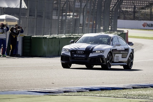 Circuit speed demonstration run by the Audi RS7 automatic driving concept