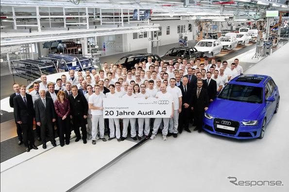 ออดี้ A4 เฉลิมฉลองการครบรอบ 20 ปีในเยอรมนี Ingolstadt โรงงานเริ่มผลิต