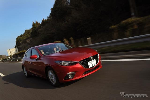 Mazda Axela 1.5 L MT