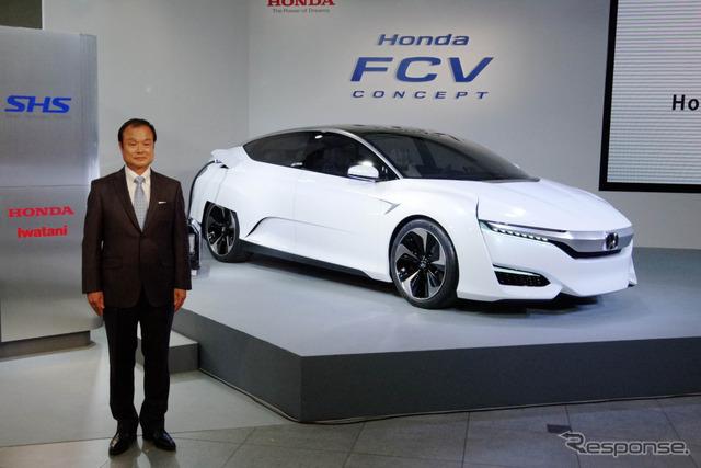 Honda FCV concept and President Takanobu Ito