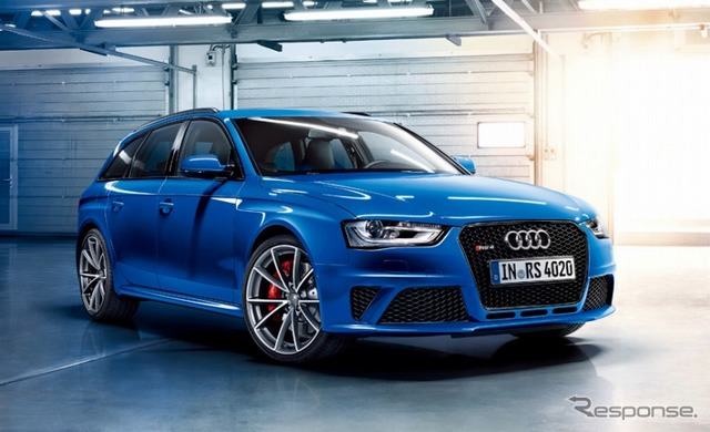 Audi RS4 จัดการเลือก Nogaro