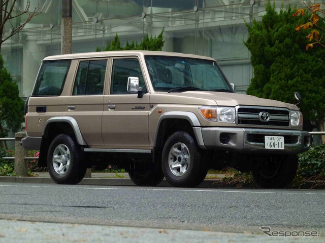 Toyota Land Cruiser 70 van