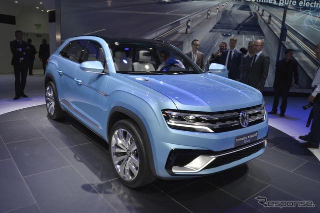 Volkswagen cross Coupe GTE (Detroit Motor Show 15)