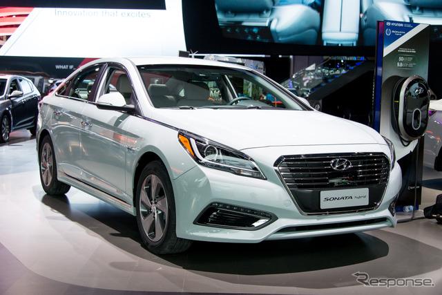 Hyundai new Sonata plug-in hybrid (Detroit Motor Show 15)