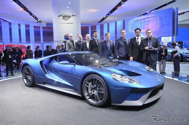 Ganó el premio al mejor diseño para vehículos comerciales nuevos Ford GT (Detroit Motor Show 15)