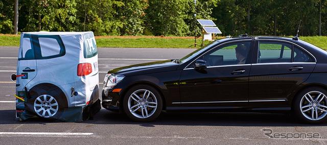 Mercedes-Benz C class IIHS front crash avoidance performance test