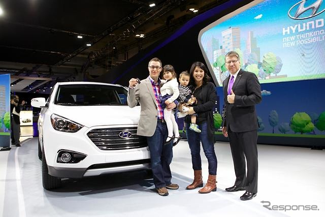 Hyundai is Canada's first fuel cell vehicle delivery to customers