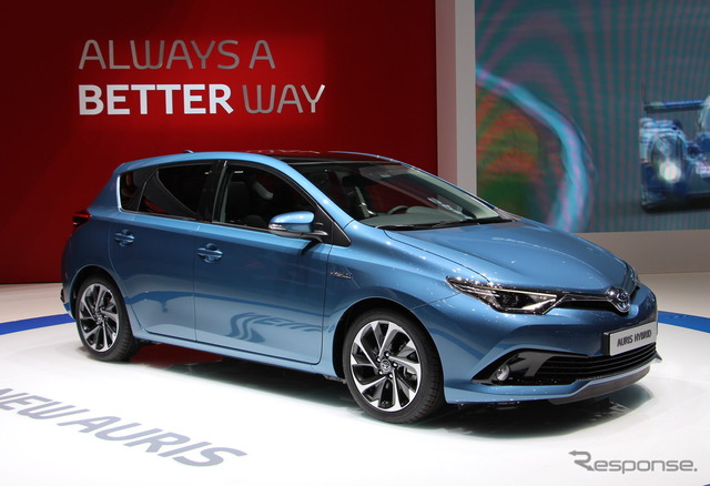 Improved new Toyota Auris (Geneva Motor Show 15)
