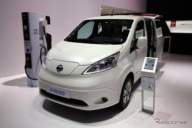 Nissan e-NV200 at 2015 Geneva Motor Show