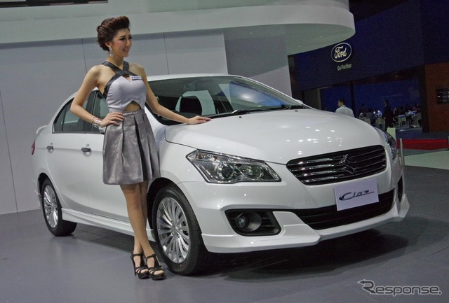 Suzuki heads (Bangkok motor show 15)