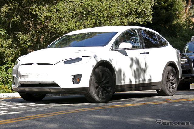 Tesla model X scoop photos