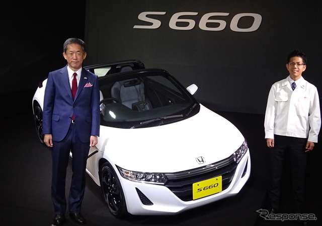 Honda's COO Sho Minekawa (left) and Project Leader for the S660, Ryo Mukumoto (right)