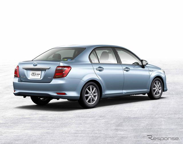 Toyota caroleraxio hybrid G